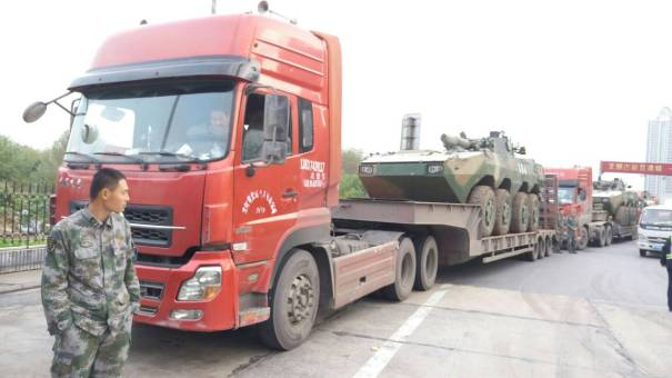河南许昌市出租陕汽336马力以上12档375载货车