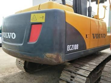 江苏苏州市33万元出售沃尔沃中挖EC210挖掘机