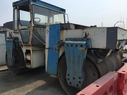 江苏苏州市6万元出售国机洛建液压式YZC12双钢轮压路机