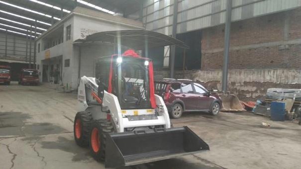 陕西西安市出租山猫轮胎式0.8吨以下S16滑移装载机