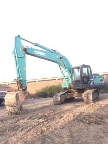 北京35万元出售神钢中挖SK210挖掘机