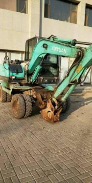 山西太原市11万元出售新源小挖XY65挖掘机