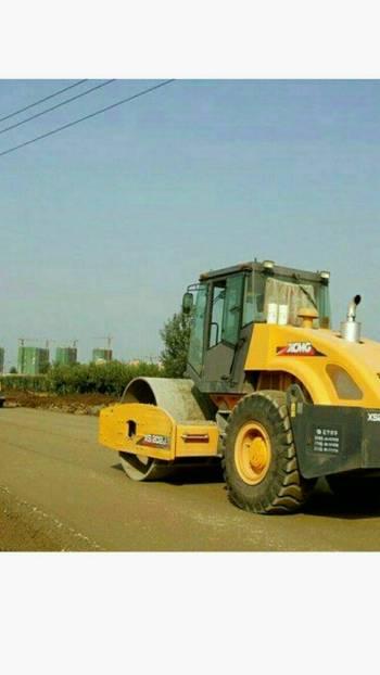 河北邯郸市出租徐工机械式22吨以上XS263J单钢轮压路机