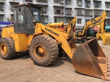 重庆10.5万元出售柳工5吨855装载机