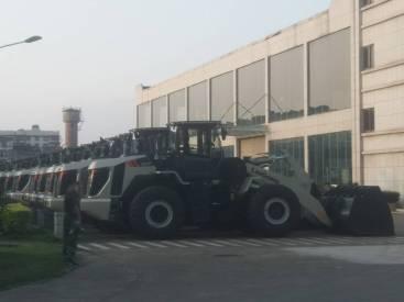 江苏泰州市出租柳工5吨855装载机