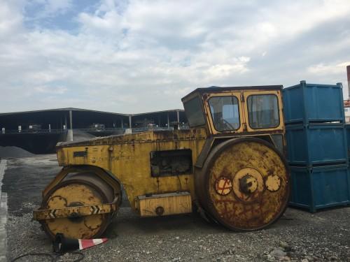 江苏苏州市6万元出售徐工液压式13吨以上3Y252J双钢轮压路机