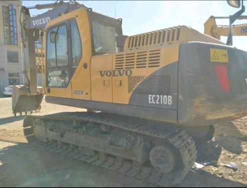 福建漳州市35万元出售沃尔沃中挖EC210挖掘机