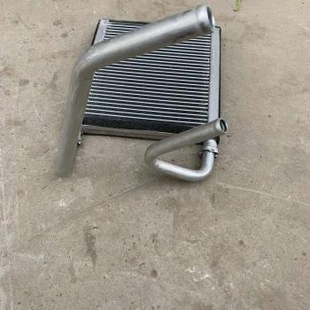 小松空调暖风水箱