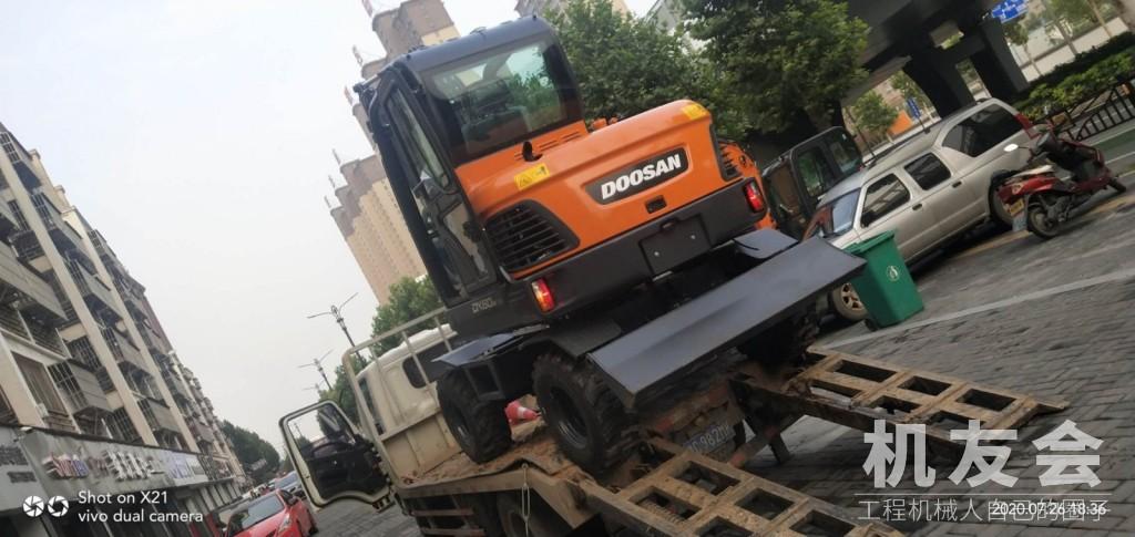 提機報告:拓展業務范圍 喜提斗山DX60W輪式挖掘機