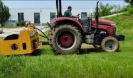 路得威拖拉式振动钢轮施工视频